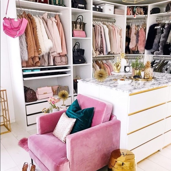 Welcome to my Closet 💋